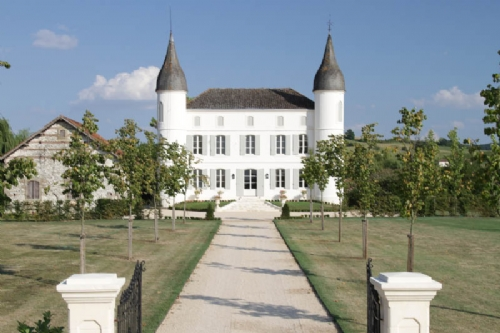 Immaculate Chateau with heated pool